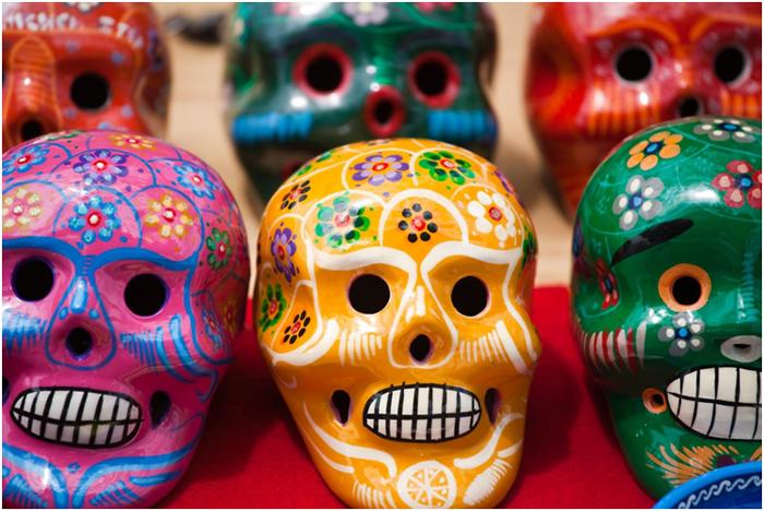 Crânes peints pour la fête des morts au Mexique